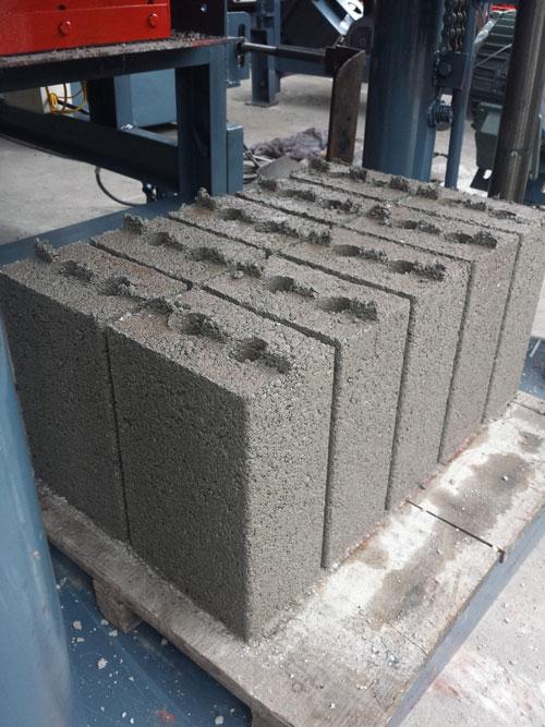 gạch cay, gạch bi, gạch côp máy ép gạch không nung TB8.5